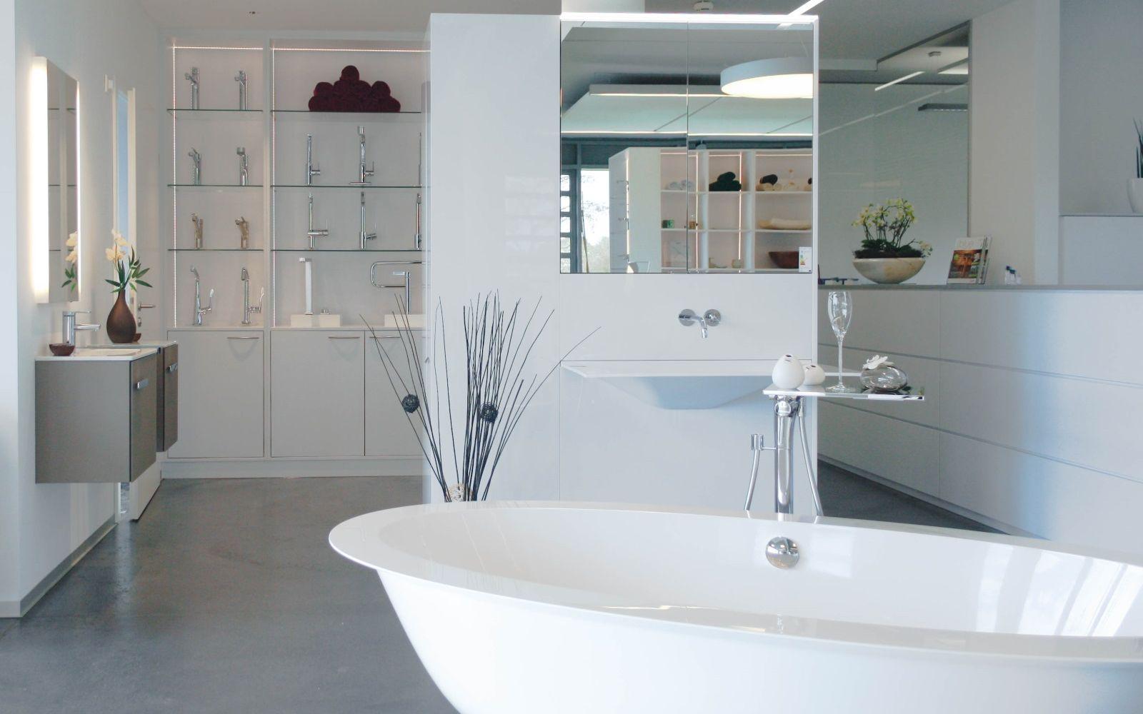 ausstellung issler grenzach wyhlen bei basel landkreis l rrach badrenovierung. Black Bedroom Furniture Sets. Home Design Ideas